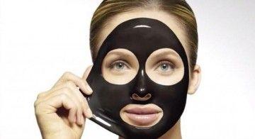 Чорна маска для обличчя від чорних крапок