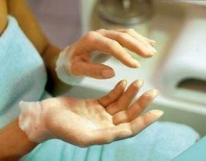 Як зробити руки молодими з парафінові ваннами