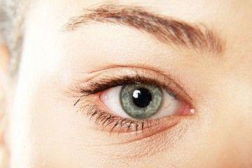 Як скоротити зморшки під очима?