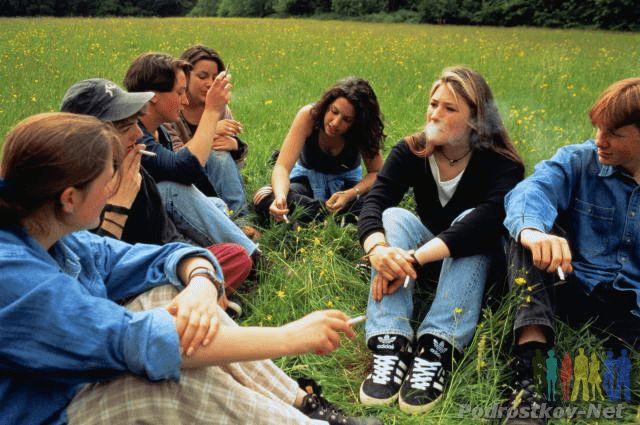 Куріння підлітків - мода пройшла, неприємності залишилися