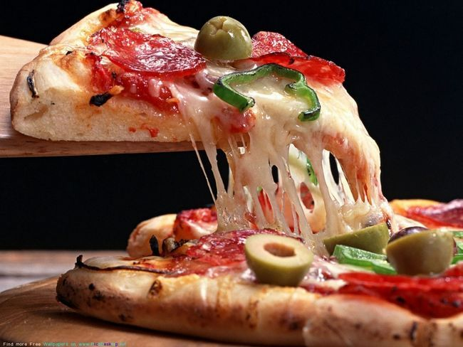 Піца - улюблене блюдо в усьому світі