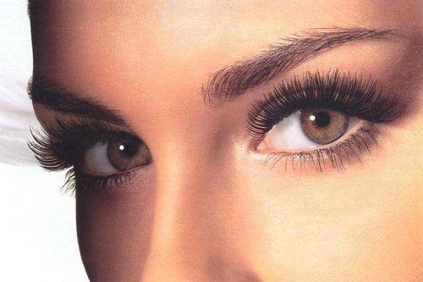 Профілактичні заходи проти появи зморшок під очима