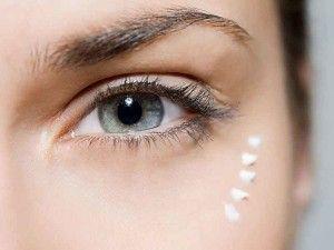Ретиноєва мазь від зморшок: правила використання