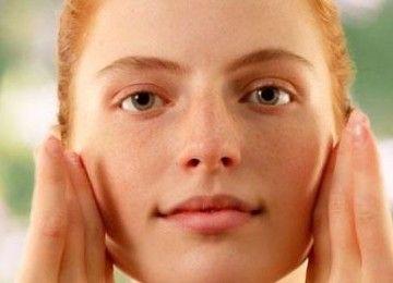 «Сірчана» мазь від прищів і акне на обличчі: застосування в лікуванні вугрів