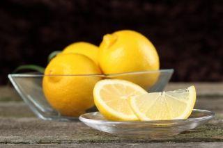 Ванночки для нігтів з лимоном. Рецепти + огляд